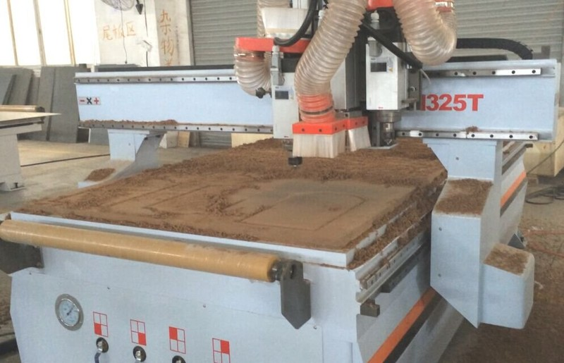 Chinese hotsale CNC wood router with 3 heads / wood carving